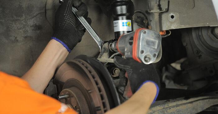 Stufenweiser Leitfaden zum Teilewechsel in Eigenregie von Honda CR-V II 2002 2.4 Domlager