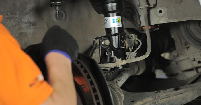 Wie problematisch ist es, selber zu reparieren: Domlager beim Honda CR-V II 2.4 Vtec (RD6) 2001 auswechseln – Downloaden Sie sich bebilderte Tutorials