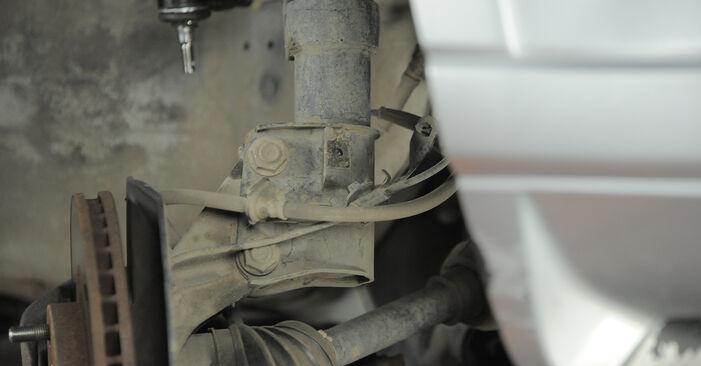 Austauschen Anleitung Stoßdämpfer am Honda CR-V II 2005 2.0 (RD4) selbst