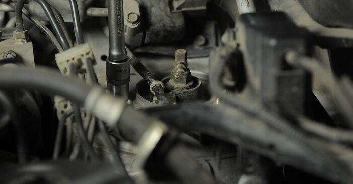 Wie schwer ist es, selbst zu reparieren: Stoßdämpfer Honda CR-V II 2.4 Vtec (RD6) 2001 Tausch - Downloaden Sie sich illustrierte Anleitungen
