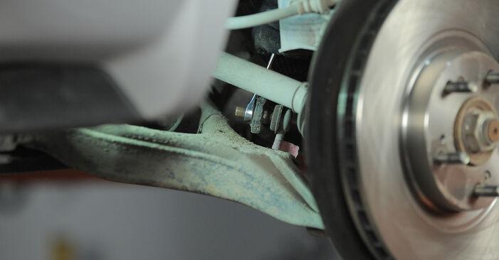 Wie schwer ist es, selbst zu reparieren: Koppelstange Honda CR-V II 2.4 Vtec (RD6) 2001 Tausch - Downloaden Sie sich illustrierte Anleitungen