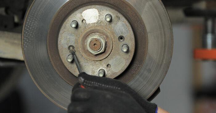 Wie Bremsscheiben HONDA CR-V II (RD_) 2.2 CTDi (RD9) 2002 austauschen - Schrittweise Handbücher und Videoanleitungen