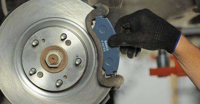 HONDA CR-V 2.2 CTDi (RD9) Bremsscheiben ausbauen: Anweisungen und Video-Tutorials online