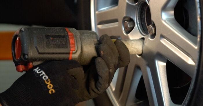 Wechseln Bremsscheiben am HONDA CR-V II (RD_) 2.4 Vtec 4WD 2004 selber