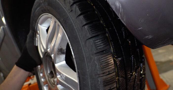 Bremsscheiben am HONDA CR-V II (RD_) 2.0 (RD5) 2006 wechseln – Laden Sie sich PDF-Handbücher und Videoanleitungen herunter