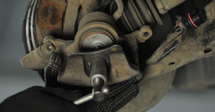 Bytte Honda CR-V II 2.2 CTDi (RD9) 2003 Bremseklosser: gratis verkstedsveiledning