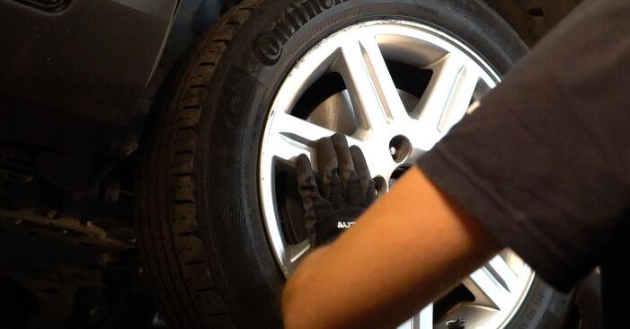 Hvordan skifte HONDA CR-V 2002 Bremseklosser trinn–for–trinn veiledning
