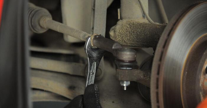 Kaip pakeisti Skersinės vairo trauklės galas la Ford Mondeo bwy 2000 - nemokamos PDF ir vaizdo pamokos