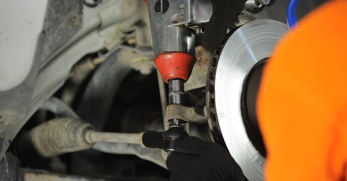 Schritt-für-Schritt-Anleitung zum selbstständigen Wechsel von Ford Focus mk2 Limousine 2008 1.6 Ti Spurstangenkopf