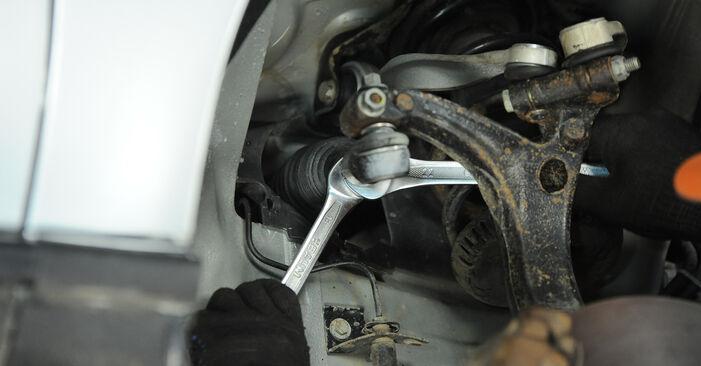 Spurstangenkopf beim AUDI A4 1.6 2001 selber erneuern - DIY-Manual