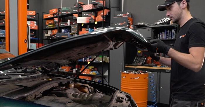 Wie Bremsbeläge Audi A6 C5 Avant 2.5 TDI quattro 1997 tauschen - Kostenlose PDF- und Videoanleitungen