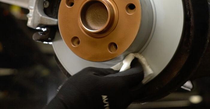 Wie Bremsbeläge AUDI A6 Avant (4B5, C5) 1.9 TDI 1998 austauschen - Schrittweise Handbücher und Videoanleitungen
