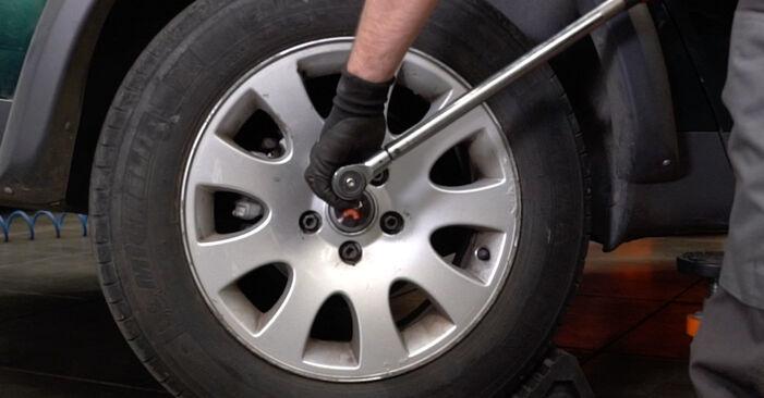 Wie AUDI A6 1.8 T 2001 Bremsbeläge ausbauen - Einfach zu verstehende Anleitungen online