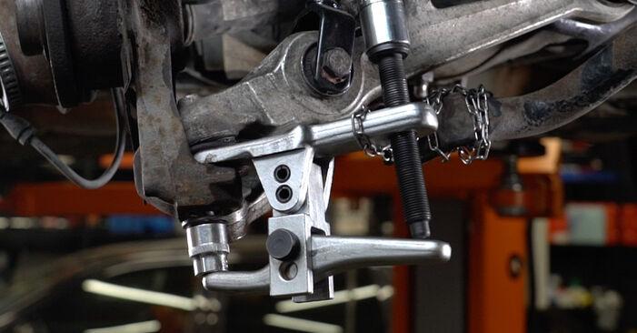 Wechseln Radlager am AUDI A6 Avant (4B5, C5) 2.5 TDI 2000 selber