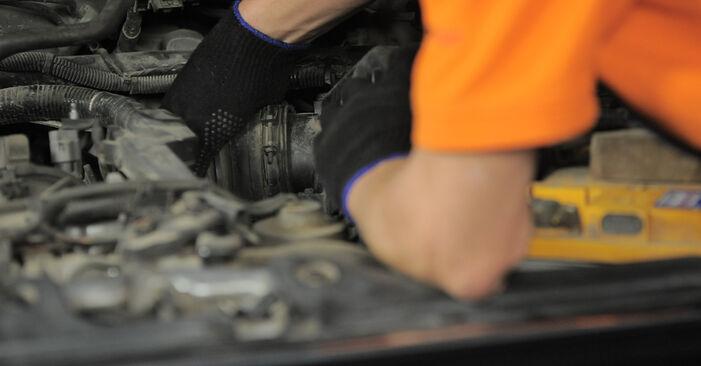 Luftfilter Honda CR-V II 2.0 2003 wechseln: Kostenlose Reparaturhandbücher