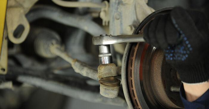 Wie schwer ist es, selbst zu reparieren: Spurstangenkopf Toyota Yaris p1 1.0 (SCP10_) 2005 Tausch - Downloaden Sie sich illustrierte Anleitungen