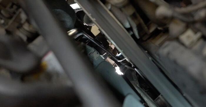 Ar sudėtinga pasidaryti pačiam: Audi A6 C5 Avant 1.8 T quattro 2003 V formos rumbuotas diržas keitimas - atsisiųskite iliustruotą instrukciją
