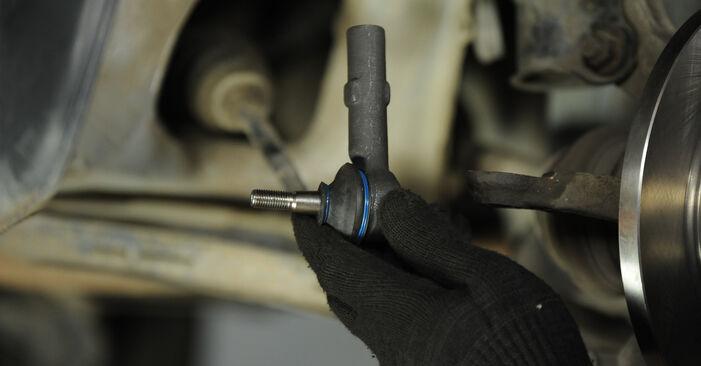 Austauschen Anleitung Spurstangenkopf am Nissan Micra k11 2002 1.0 i 16V selbst