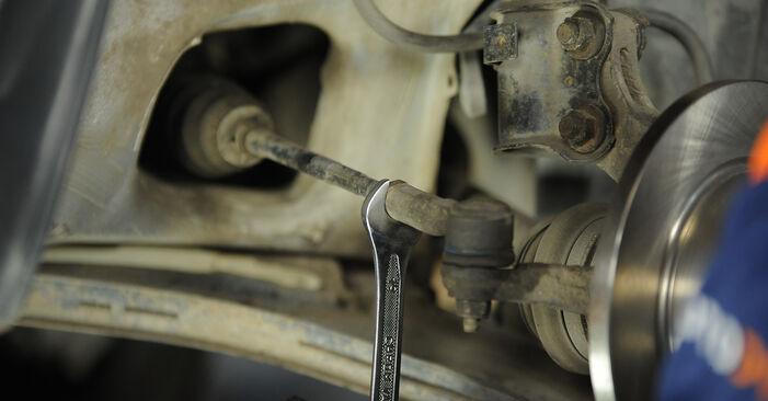 Wie schwer ist es, selbst zu reparieren: Spurstangenkopf Nissan Micra k11 1.0 i 16V 1998 Tausch - Downloaden Sie sich illustrierte Anleitungen