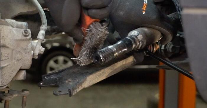 Tidsforbruk: Bytte av Drivknute på VW Caddy 3 Van 2012 – informativ PDF-veiledning