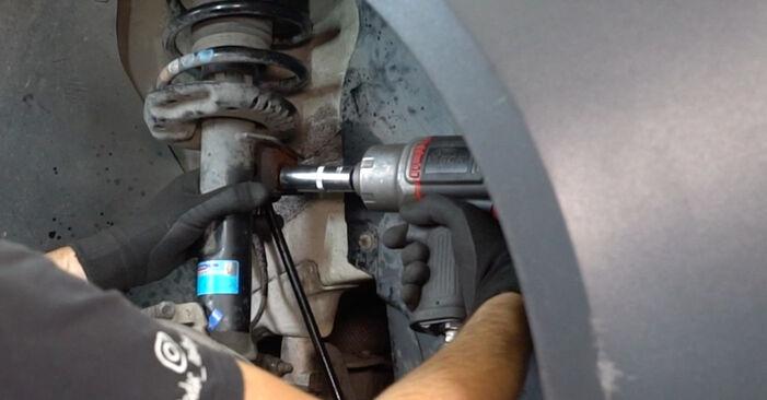 Vanskelighetsgrad: Bytte av Drivknute på VW Caddy 3 Van 2.0 TDI 16V 2010 – last ned illustrert veiledning