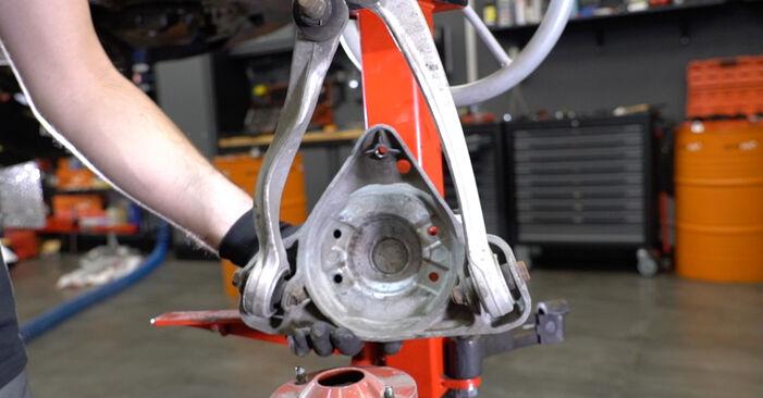 Stoßdämpfer Audi A6 C5 Avant 2.4 1999 wechseln: Kostenlose Reparaturhandbücher