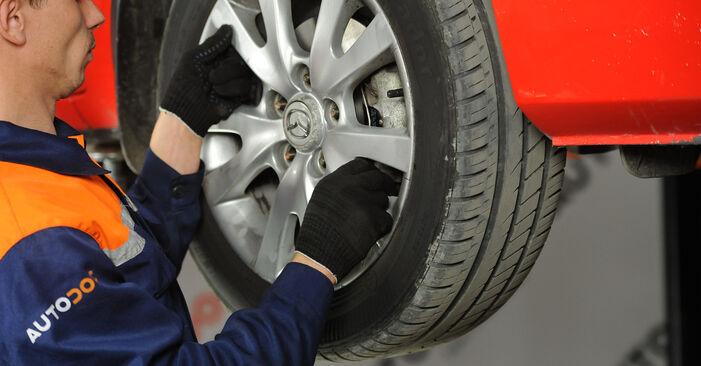 Mazda 3 Berline 1.6 DI Turbo 2005 Rotule De Direction remplacement : manuels d'atelier gratuits