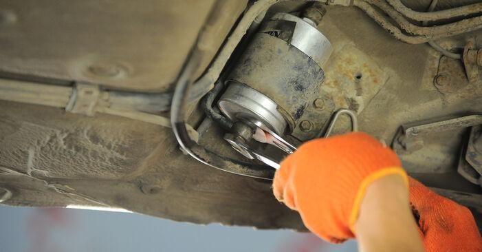 Zweckdienliche Tipps zum Austausch von Kraftstofffilter beim AUDI 80 Limousine (8C2, B4) 1.9 TDI 1993