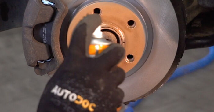 Radlager beim AUDI 80 2.8 quattro 1994 selber erneuern - DIY-Manual