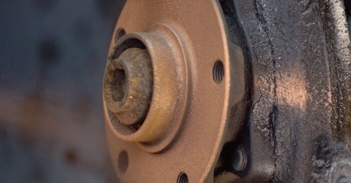 Zweckdienliche Tipps zum Austausch von Bremsscheiben beim AUDI 80 Limousine (8C2, B4) 1.9 TDI 1993