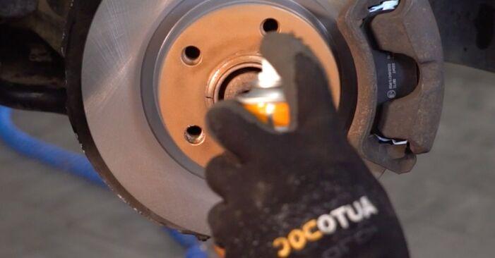 AUDI 80 2.6 Bremsscheiben ausbauen: Anweisungen und Video-Tutorials online