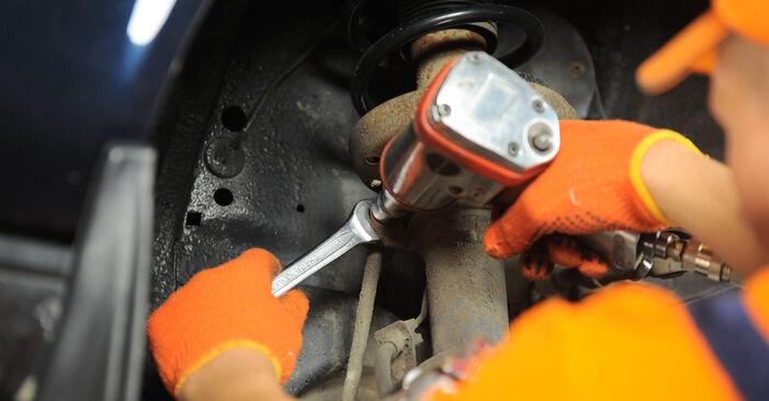 Wie schwer ist es, selbst zu reparieren: Koppelstange Audi 80 B4 1.9 TD 1993 Tausch - Downloaden Sie sich illustrierte Anleitungen
