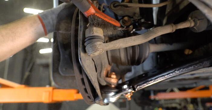 MERCEDES-BENZ E-CLASS 2002 Накрайник на напречна кормилна щанга стъпка по стъпка наръчник за смяна
