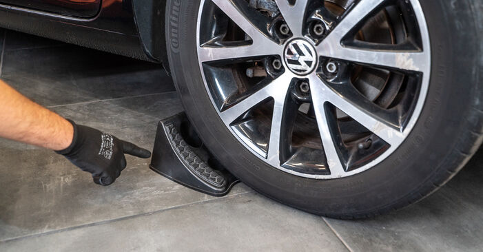 Как се сменя Амортисьор на VW Passat CC 2008 - безплатни PDF и видео уроци