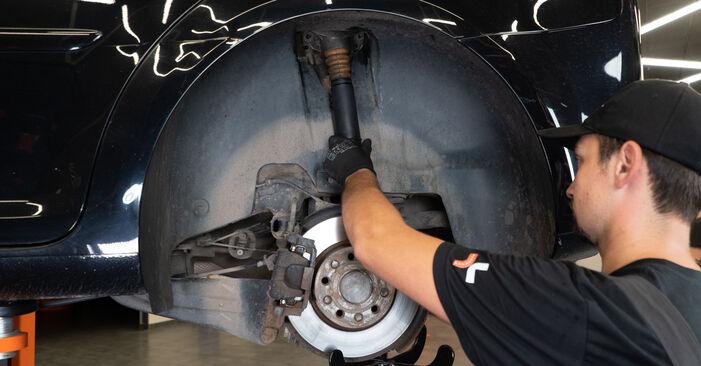 Как се сменя Амортисьор на VW Passat CC (357) 2.0 TSI 2011 самостоятелно