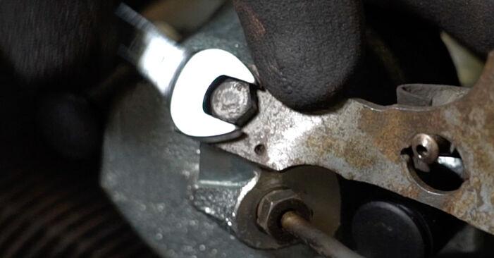 Slik skifte AUDI A6 1.8 T 2001 Bremsecaliper – enkle instruksjoner på nettet som er lette å følge