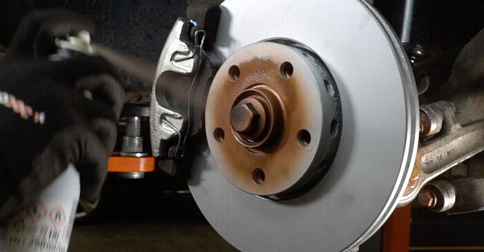 Vanskelighetsgrad: Bytte av Bremsecaliper på Audi A6 C5 Avant 1.8 T quattro 2003 – last ned illustrert veiledning