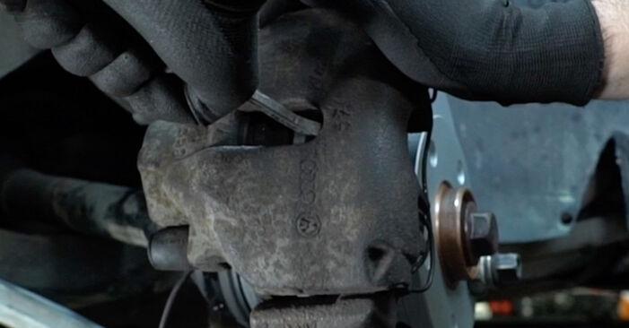 Hvordan skifte AUDI A6 2004 Bremsecaliper trinn–for–trinn veiledning