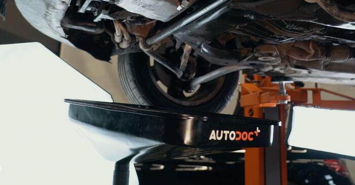 Wechseln Ölfilter am AUDI A4 Limousine (8D2, B5) 1.8 T 1997 selber