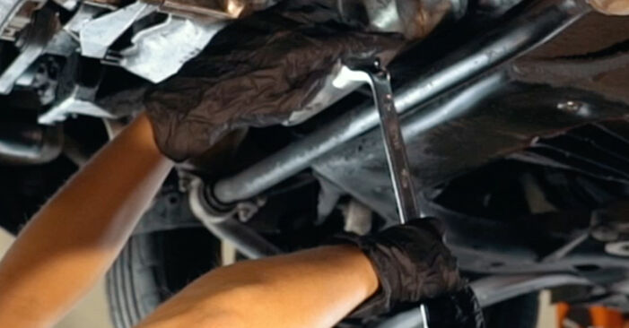Ölfilter am AUDI A4 Limousine (8D2, B5) 1.9 TDI quattro 1999 wechseln – Laden Sie sich PDF-Handbücher und Videoanleitungen herunter