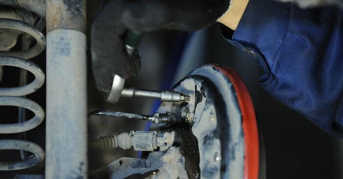 Radbremszylinder Ihres Lupo 3L 1.2 TDI 3L 1998 selbst Wechsel - Gratis Tutorial