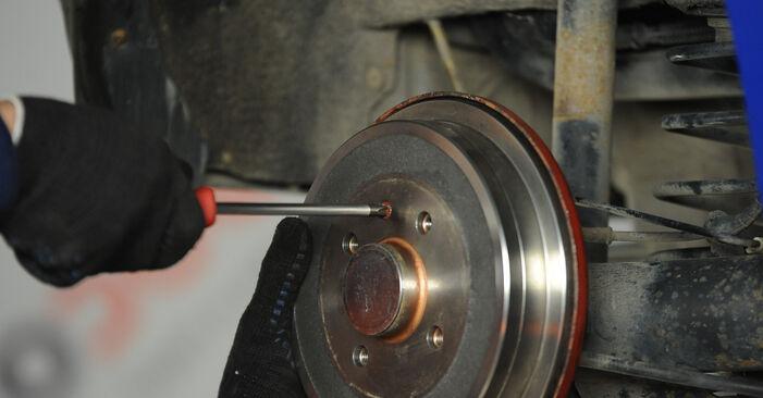 Radbremszylinder am VW Lupo (6X1, 6E1) 1.7 SDI 2003 wechseln – Laden Sie sich PDF-Handbücher und Videoanleitungen herunter