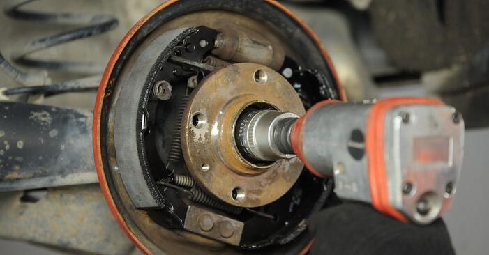 Смяна на Комплект спирачна челюст на VW Lupo 6x1 2000 1.2 TDI 3L самостоятелно