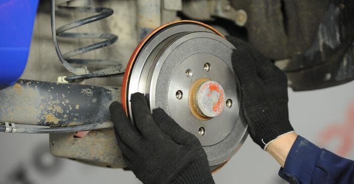 VW LUPO 1.0 Bremstrommel ausbauen: Anweisungen und Video-Tutorials online