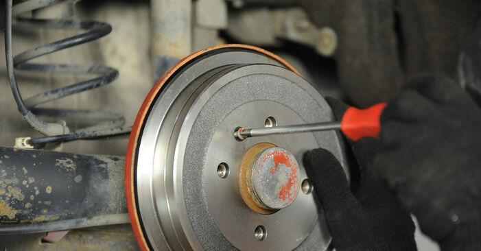 Austauschen Anleitung Bremstrommel am VW Lupo 6x1 2000 1.2 TDI 3L selbst