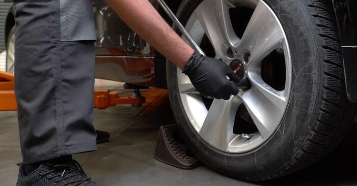 Wie Bremstrommel VW Lupo (6X1, 6E1) 1.0 1999 austauschen - Schrittweise Handbücher und Videoanleitungen