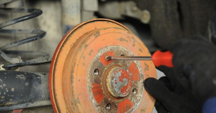 Wie schwer ist es, selbst zu reparieren: Bremstrommel Lupo 3L 1.6 GTI 2004 Tausch - Downloaden Sie sich illustrierte Anleitungen