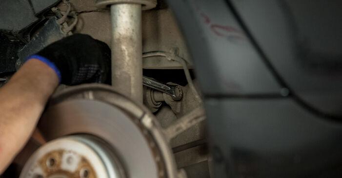 Hvordan skifte BMW 5 SERIES 2008 Bærebru trinn–for–trinn veiledning