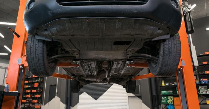 Hvordan bytte Bærebru på BMW 5 Sedan (E60) 520i 2.2 2004 selv