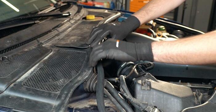 Combien de temps dure le remplacement : Amortisseurs sur Audi A4 B5 1994 - manuel PDF informatif
